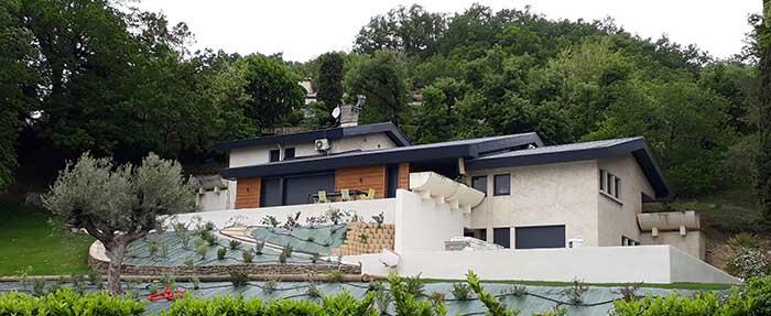 Rénovation et extension d'une maison d'habitation à Mours (26 540)